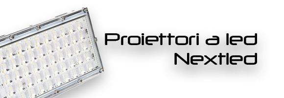 Proiettori a led per aziende pubblica illuminazione e stabilimenti.
